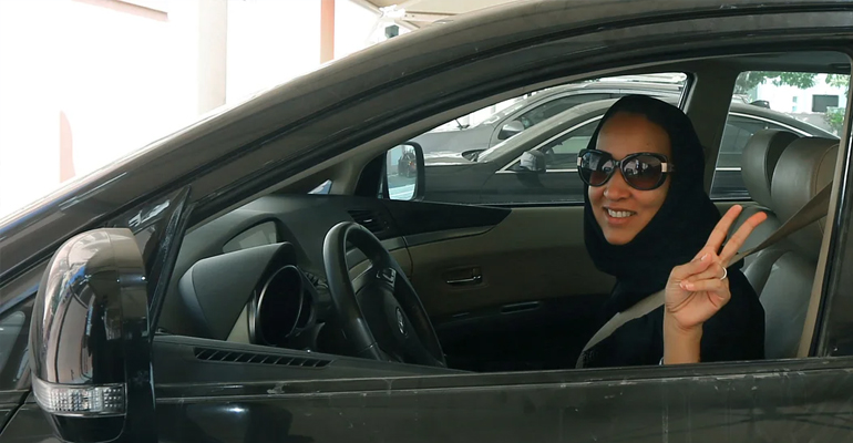 uae,women,driving