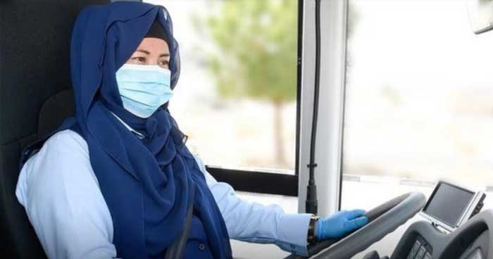 dubai-female-bus-driver