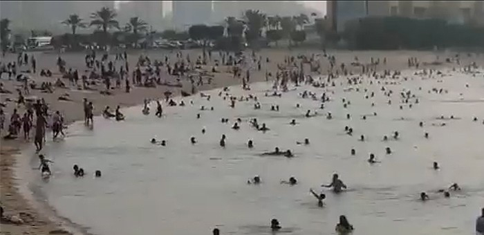 kuwait,families,bachelors,crowd,beaches