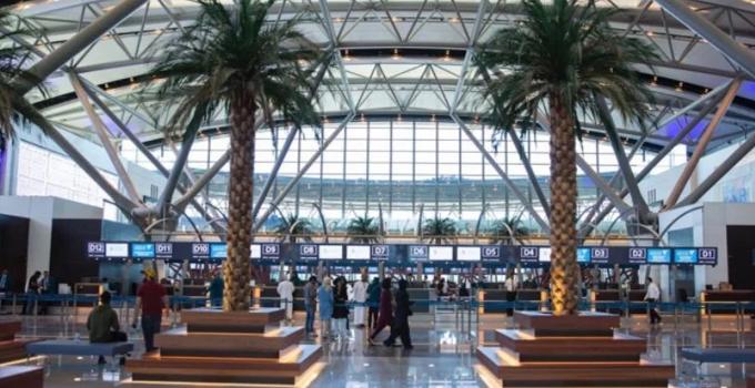 150-volunteers-muscat-international-airport-welcomes