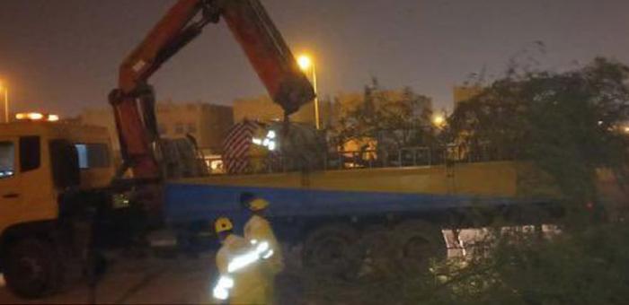 qatar,baladiya,authorities,removed,trees,fell,strong,winds