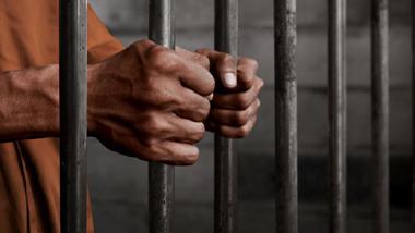 expatriates,jailed,robbing,owner,grocery,store,dubai