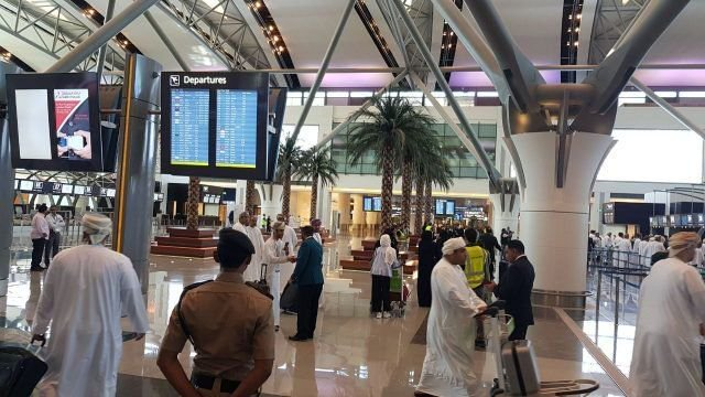 oman,number,air,passengers,dropped