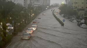 kuwait,heavy,rains,waterlogging,road